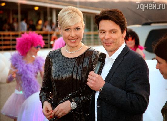 Наталья Рагозина и Вэнсан Нуарбан – директор по маркетингу компании  «Peogeot»