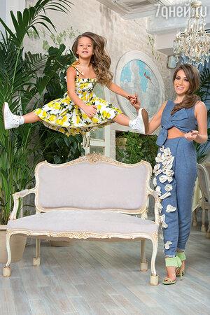 Юлия Барановская с дочерью Яной