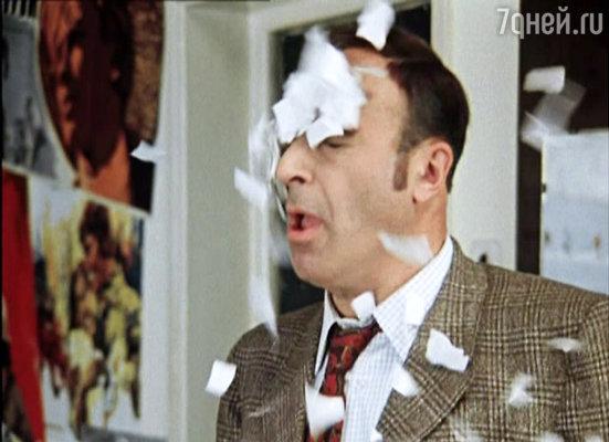 Владимира Этуша режиссер сразу увидел в роли Шпака. Самому актеру хотелось сыграть Грозного, однако предложить себя он не осмелился