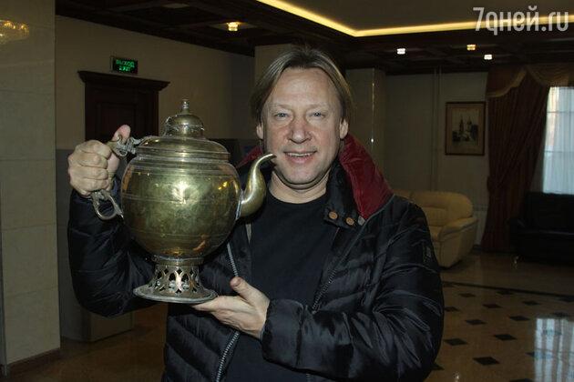 Дмитрий Харатьян на кинофестивале комедии «Улыбнись, Россия!»