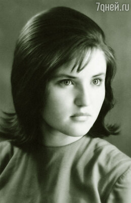 Валя в молодости была очень похожа на актрису кино Жанну Прохоренко