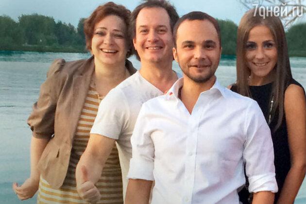 Среди друзей Чадова была и бывшая жена Андрея Аршавина — телеведущая Юлия Барановская (справа)