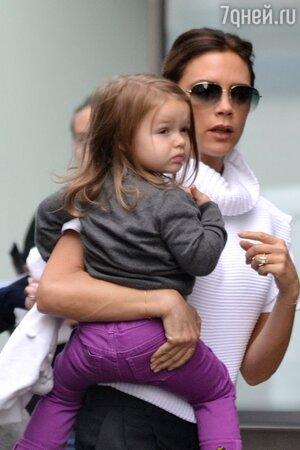 Виктория Бекхэм и ее дочь Харпер