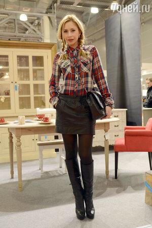 Анастасия Гребенкина на открытии интерьерной выставки LuxuryHITS