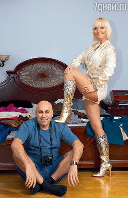 Валерия с мужем и по совместительству своим продюсером Иосифом Пригожиным. К этому наряду певица два года искала подходящую обувь по всему миру, но совсем недавно нашла ее в Москве