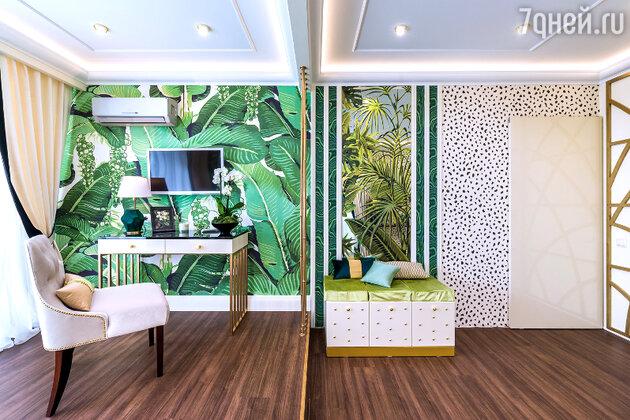 Идеи для дизайна: гостиная в стиле диких джунглей