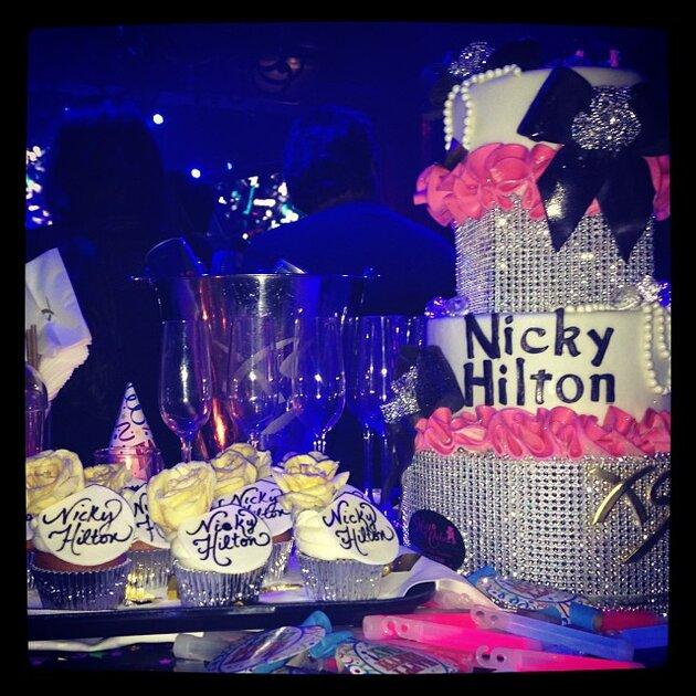 Ники Хилтон , торт, день рождения, 2013