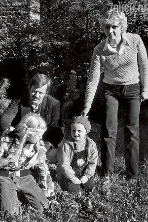 Анне Вески и Бенно Бельчиков с детьми