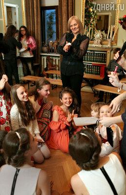 Детям очень понравилась тема, которой был посвящен праздник, — древнегреческие мифы, но оказалось, что имена «жителей Олимпа» знают немногие