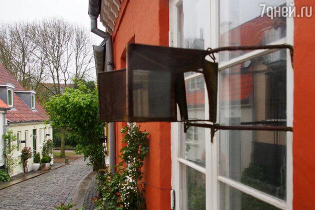 С помощью таких устройств жители Оденсе наблюдают за прохожими