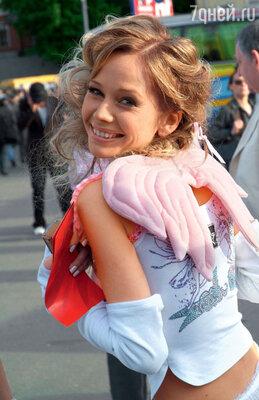 Елена Корикова иДмитрий Липскеров даже ездили кколдунье, чтобы всемью вернулись мир и счастье. Непомогло