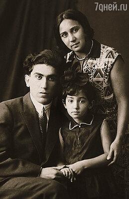 Самым главным человеком в жизни Татьяны Лиозновой была мама, которая ласково звала дочку Таточкой. С матерью и дядей