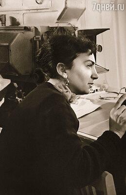 Как правило, все затихали, стоило Лиозновой появиться в павильоне:  она любила, чтобы ни шороха, пусть  все внимают режиссеру