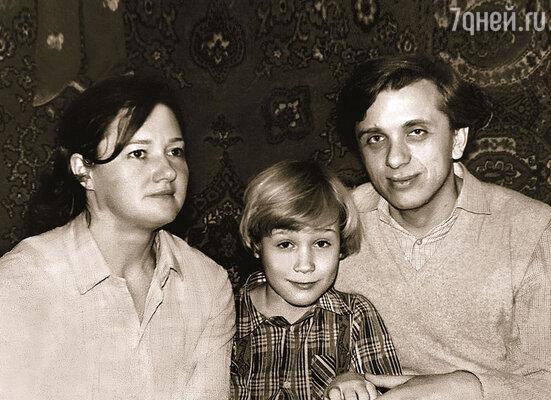 Таня, Сережа и Женя — в новогоднюю ночь 1984-го
