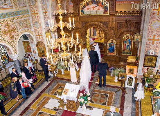 Венчание звезд было закрытым: в форосской церкви Воскресения Христова присутствовали только самые близкие