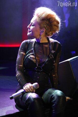 Анжелика Варум презентовала свой новый альбом «Сумасшедшая»