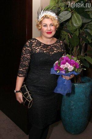 Ева Польна на презентации нового альбома  Анжелики Варум «Сумасшедшая» 2013