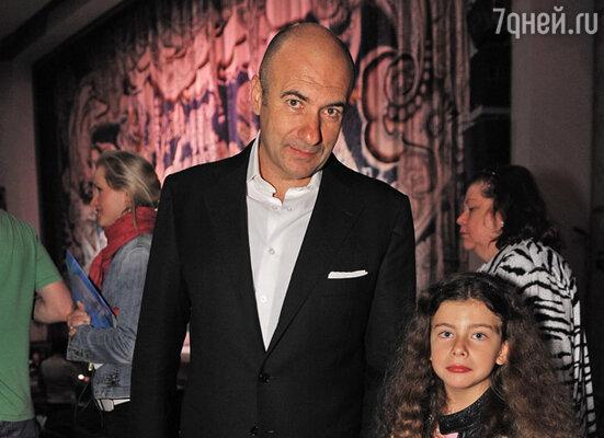 Игорь Крутой с младшей дочерью Сашей