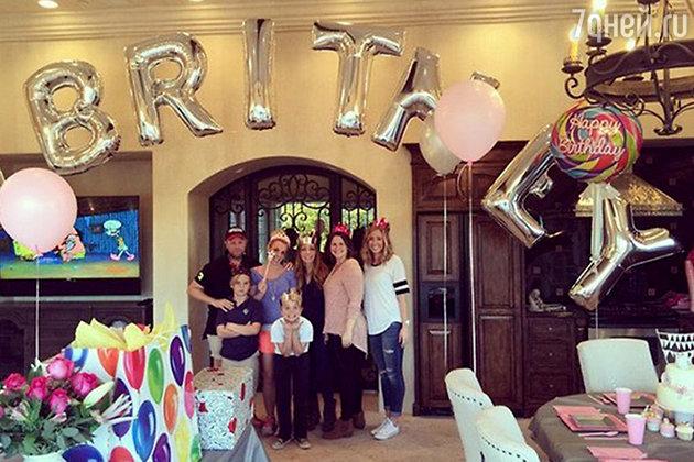 Бритни Спирс празднует день рождения с семьей