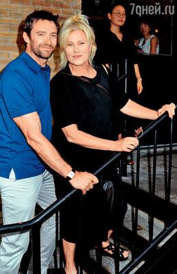 Хью женат на Деборре-Ли Фернесс 16 лет. Нью-Йорк, 2011 г.