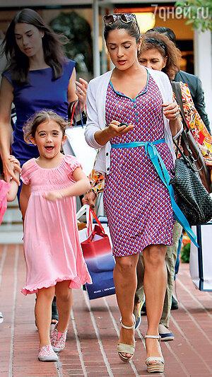 Сальма Хайек с дочерью Валентиной. 2013 г.