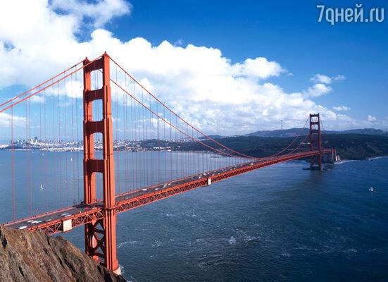 Опора знаменитого подвесного моста «Золотые ворота» стоит как раз на том месте, куда Кончита каждое утро приходила смотреть на океан в ожидании возвращения Резанова