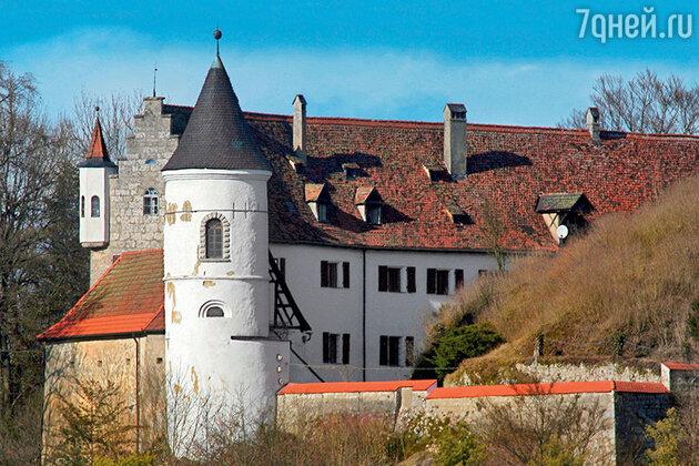 Средневековый замок Найдштайн в Германии