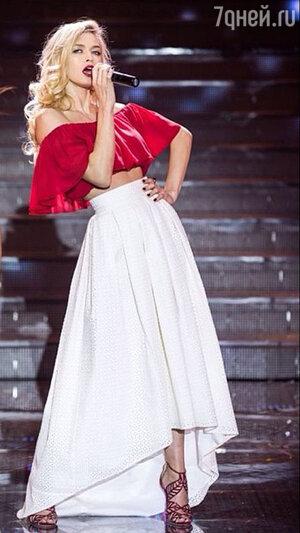 Вера Брежнева  на концерте «Мисс Россия-2014»