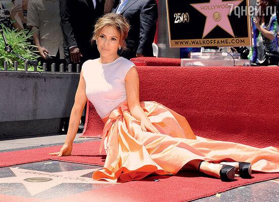 «Все ведущие голливудские актрисы как раз моего возраста. Молодая поросль еще несозрела донастоящей снами конкуренции»