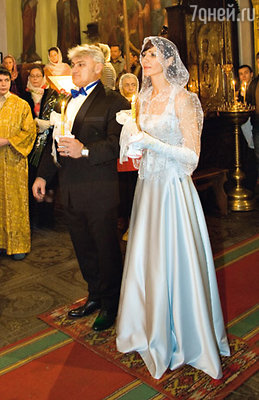 «Венчание мы приурочили к 45-летию Володи. В тот день мы были тотально счастливы. Вовка смеялся: «Все, дорогая моя, никуда ты от меня теперь не денешься...»