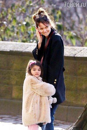 Кэти Холмс (Katie Holmes) с дочерью Сури