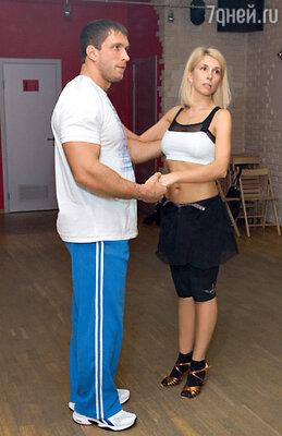 Партнер Алены Свиридовой мужчина видный — призер Олимпийских игр по тяжелой атлетике Дмитрий Клоков