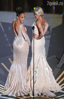 Дженнифер Лопес и Камерон Диас вручали коллегам «Оскары» в 2012 году
