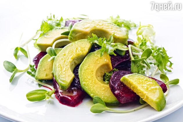 Винегрет с крабовым мясом и авокадо