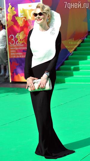 Рената Литвинова.  Церемония закрытия 32-го Московского международного кинофестиваля, 2010 год