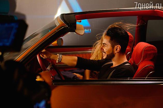 Тимур Родригез в клипе на песню «С Днем Рождения»