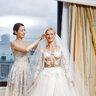 Татьяна с дизайнером платья Аленой Ахмадулиной, в номере невесты отеля The Ritz-Carlton, Moscow