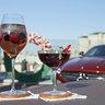 Специально приготовленный коктейли для молодоженов от Бар менеджера ресторана O2 Lounge, Филиппа Глушакова, основанные на их предпочтениях. В подарок от O2 Lounge и The Ritz-Carlton, Moscow молодожены получили рецепты, которые символизируют их первый совместный рецепт. Такой коктейль отель и ресторан делает для всех молодоженов, которые выбирают отель для первой брачной ночи.
