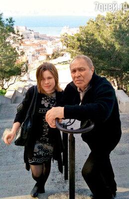 С младшей дочерью Сашей. Марсель, 2010 г.