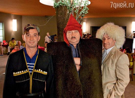 ...а в новой картине эти роли достались Николаю Добрынину (Балбес), Сергею Степанченко (Бывалый) и Семену Стругачеву (Трус)