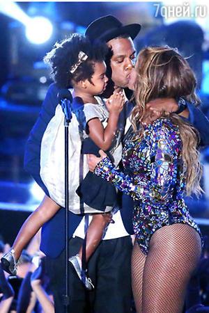 Бейонсе и Джей Зи с дочерью