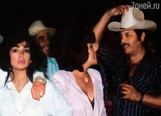 В наркобизнесе Сандра (на фото слева) разбиралась отменно, наркотиками занимались и ее мать, и дядя, и трое кузенов