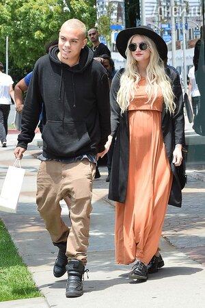 Эшли Симпсон с мужем
