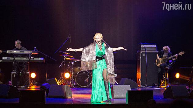 В Москве со своей сольной программой «Поцелуй на бис» выступила Кристина Орбакайте