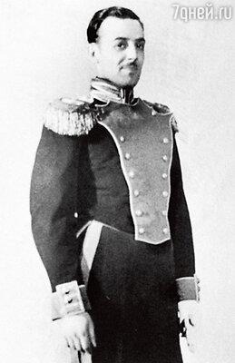 Офицер в спектакле «Мадемуазель Нитуш» — одна из первых театральных работ