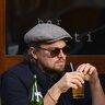 23 октября 2013 года. Леонардо Ди Каприо на ланче в Нью-Йорке.