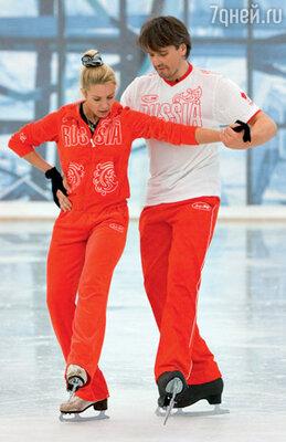 Денис Матросов — единственный из «новобранцев» проекта «Лед и пламень», кто стоял на коньках в детстве. С Ириной Лобачевой