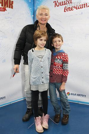 Ледовые шоу Ильи Авербуха *Мама*, *Малыш и Карлсон*, *Рождественские встречи*, а также различные новогодние шоу на льду - Страница 6 42