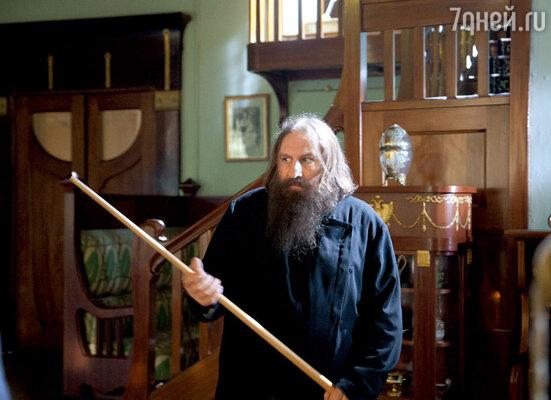Жерар Депардье в роли старца в картине Жозе Дайан «Распутин». 2011 г.