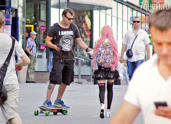 Евгений Цыганов легко управился со скейтом